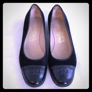 Ferragamo flats low heel shoes 7.5 7 1/2 black